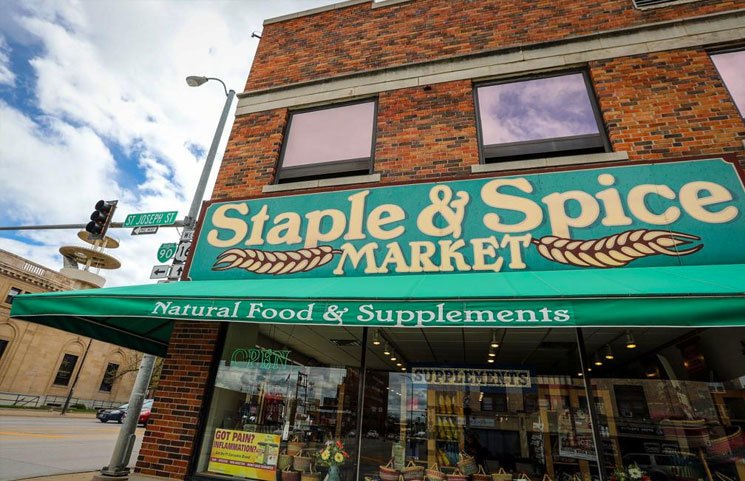 South Dakota Health Food Shop in Rapid City Gets Raided for CBD Oil Products via Anonymous Tip